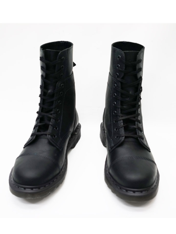 dr-martens-10-boot-4