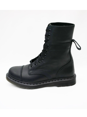 dr-martens-10-boot-2