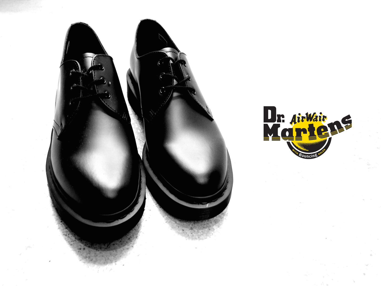 NEW ARRIVAL / DR. MARTENS – ALL BLACK 3 HOLE BOOTS