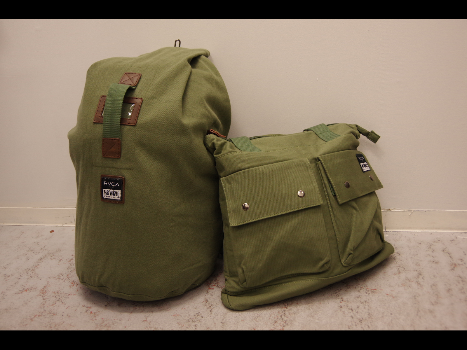 PICK UP ITEM : RVCA – MILITARY BAG