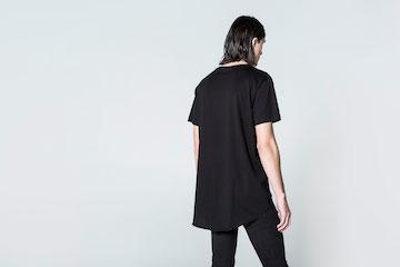 チープ・マンデーのオーバーサイズ無地Tシャツ