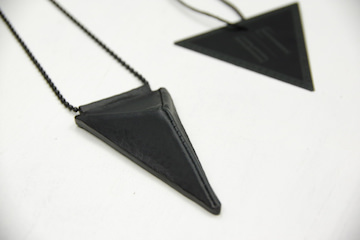 BLACK TRIANGLE DESIGN × FRAGILE