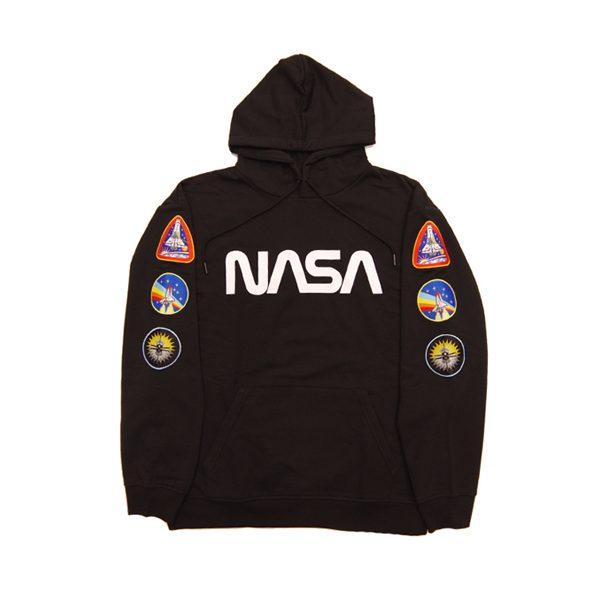 トレンドの NASA からポップな フーディー が登場