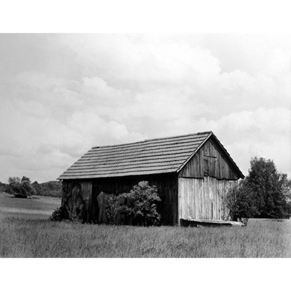 ファッションフォトグラファー Collier Schorr によるドイツの小さな田舎町に焦点を置いた一冊