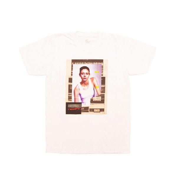 写真家 COLLIER SCHORR による限定生産のTシャツ